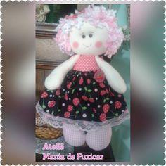 Bonequinha de pano cerejinha