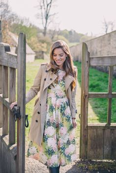 Gal Meets Glam Morning In Bibury - Burberry trench and ASOS dress