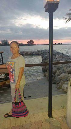 Aqui Mosita en Clearwater beach, esperando el Año Nuevo.Dic 29, 2016