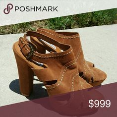 """STEVE MADDEN ALEX PLATFORM HEELS Madden Women's brown Sueded Leather Platform Heels / Pumps. Size: 11M. Style name: Alex. ~~Features high quality black sueded leather uppers, adjustable buckle strap, lightly padded footbed, 5 5/8"""" heels (hidden 1 1/4"""" platform), rubber soles, with the trendy style, quality and comfort of Steve Madden. ~Excellent pre-worn Steve Madden Shoes Platforms"""