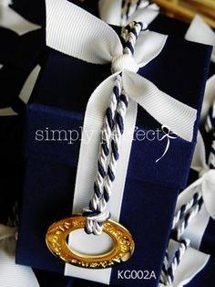 Μπομπονιέρα κουτί σε navy blue με κύκλο ευχών : ΚΩΔ KG002Α Navy Wedding Invitations, Wedding Favors, Wedding Cakes, Wedding Decorations, Navy Wedding Colors, Marie, Handmade, Gifts, Weddings