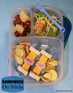 Lunch Made Easy: Sandwich on Sticks Fun School Lunch Box Ideas for Kids Lunch Made Easy: Sandwich on Sticks Fun School Lunch Box Ideas for Kids Lunch Box Bento, Lunch Snacks, Lunch Boxes, Box Lunches, Kid Snacks, Lunch Recipes, Drink Recipes, Yummy Recipes, Kids Lunch For School