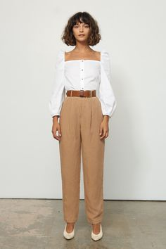 This Cool Girl-Approved Neckline *Could* Be the New Puffy Shirt hashtags Casual Outfits, Fashion Outfits, Womens Fashion, Fashion Trends, Fashion Wear, Gothic Fashion, Style Fashion, Puffy Shirt, Puffy Sleeves Blouse