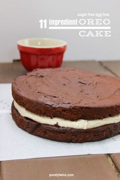 11 ingredient Oreo Cake (grain, egg, and sugar free). A secretly healthy chocolate cake with a rich cream dairy-free filling. Come get the FREE recipe here -->  http://bit.ly/sugarfrereoreocake