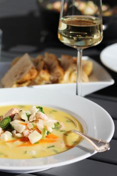 """Verdens beste fiskesuppe"", versjon 2.0 - TRINEs MATBLOGG Fish Recipes, Soup Recipes, Lectin Free Foods, Scandinavian Food, Slow Cooker Soup, Foods With Gluten, Everyday Food, My Favorite Food, Food Inspiration"