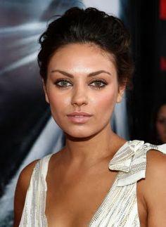 Mila Kunis - Love her makeup