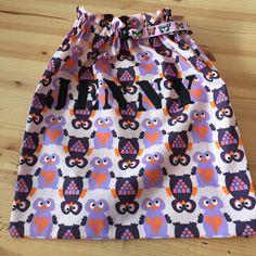 Pose til bytteklær til skulejenta mi. Janome, Poses, Sewing, Skirts, Products, Fashion, Figure Poses, Moda, Couture