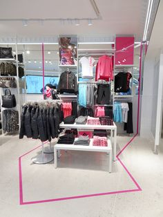 retail store design- wall and table merchandising