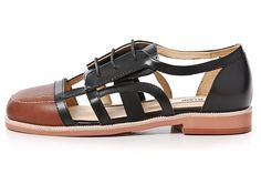 Gram's new quirky dress-sandal