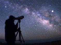 Diverse algemene lessen over het ontstaan van het heelal, sterren en planeten. Bij elke les staan materialen en verwerkingen vermeld. MB