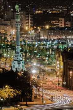 Estatua de Colón, Barcelona | por Cano de Arribas WELCOME TO SPAIN! FANTASTIC TOURS AND TRIPS ALL AROUND BARCELONA DURING THE WHOLE YEAR, FOR ALL KINDS OF PREFERENCES. EKOTOURISM: https://www.facebook.com/pages/Barcelona-Land/603298383116598?ref=hl