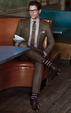 How to properly wear a mens suit