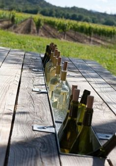 DIY Picnic Table Drink Chiller. Replace a section of the centre timber with a metal channel. Fill with Ice and keep your drinks cool!! Great Idea to have, especially in our hot Mildura weather! - Click image to find more gardening Pinterest pins