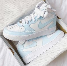 Dr Shoes, All Nike Shoes, Nike Shoes Air Force, Hype Shoes, Air Force Jordans, Nike Air Force High, Retro Nike Shoes, Nike Air Force 1 Outfit, Nike Shoes Outfits