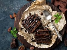 Instant Pot Brownie Cake - This cake is a very good option when you are craving especially for something chocolatey. Instant Pot Brownie Cake 4 tbsp cup all purpose cup cocoa … Nutella Brownies, Fudge Brownies, Chocolate Sin Gluten, Vegetarian Chocolate, Cake Chocolate, Chocolate Caliente, Calories, Coffee Recipes, Yummy Cakes