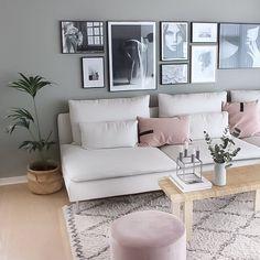 Bilder aufhängen: So geht's richtig | Connox Magazine Throw Pillows, Interior, Furniture, Home Decor, Tricks, Sofa, Heart, Creative, Recipes