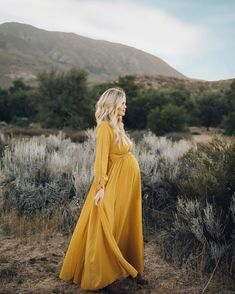 26 Magnificent Outfit Ideas For Pregnant Women 2020 That Love Maternity Photo Outfits, Fall Maternity Photos, Maternity Poses, Pregnancy Photos, Maternity Dresses, Maternity Fashion, Maternity Clothing, Maternity Styles, Maternity Photoshoot Dress