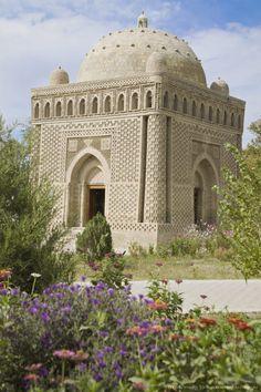 Tenth century Ismail Samani Mausoleum, Samani Park, Bukara, Uzbekistan, Central Asia.