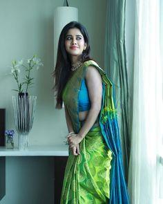 Hollywood Actress Pics, Hollywood Heroines, Photoshoot Video, Designer Silk Sarees, Bollywood Photos, Bollywood Actress Hot, Beautiful Saree, Saree Collection, Hottest Photos
