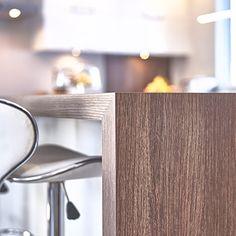 Cuisines Beauregard | Stratifié Modern Kitchen Cabinets, Kitchen Layout, Kitchen Design, Urban Kitchen, New Kitchen, Laminate Countertops, Kitchen Countertops, Banquette, Home Decor Kitchen