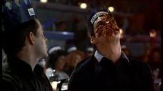 Trailer : The Cable Guy (Ben Stiller, 1996) - YouTube
