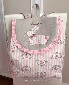 Momentos de Costura: Regalos a bebés Wallet Sewing Pattern, Rosalie, Diy Backpack, Reading Pillow, Craft Bags, Patchwork Bags, Simple Bags, Girls Bags, Kids Backpacks