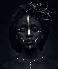 ♀ Black and white woman portrait - face of a African woman silver makeup Outstanding Photography Ideas - - ♀ Black and white woman portrait - face of a African woman silver makeup Outstanding Photography Ideas African Beauty, African Women, African Art, African Face Paint, African Makeup, African Animals, Black And White Portraits, Black And White Photography, Makeup Photography