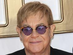 """Es ist ein herber Schlag für Sir Elton John: Seine verstorbene Mutter vermacht ihm keinen einzigen Cent. Ein Grossteil ihres Vermögens geht dafür an Johns Ex-Manager Bob Halley, mit dem der Musiker seit Jahren verkracht ist. Im Dezember musste Sir Elton John (70, """"Home Again"""") einen..."""