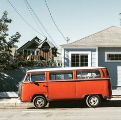 """68 mentions J'aime, 2 commentaires – The Campfire Lab (@thecampfirelab) sur Instagram : «""""When you arrive at a fork in the road, take it."""" 🚐⛺️ -Yogi Berra #thecampfirelab…»"""