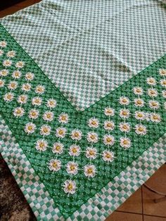 Needlepoint Stitches, Needlework, Hand Embroidery, Embroidery Designs, Chicken Scratch Embroidery, Doilies, Hand Stitching, Gingham, Sewing Projects