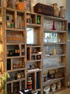 You can design and arrange the shelves very nicely. You can design the shelves in a way such that you can get the things that you want in a proper time. The shelves can also [. Reclaimed Wood Furniture, Repurposed Furniture, Pallet Furniture, Rustic Furniture, Kitchen Furniture, Furniture Ideas, Furniture Chairs, Outdoor Furniture, Furniture Storage
