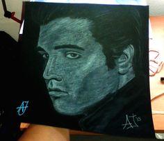 """#AJ_ #Elreydelrock #retratado y listo para ser adquirido. Obra realizada a #pastel #blanco y #gris sobre fondo #negro en un tamaño inferior al A4 y dispuesto a decir aquello de:  """"La imagen es una cosa y el ser humano otra... Es muy difícil vivir como una imagen."""" Elvis Presley.  ¿Quieres un retrato personal e intransferible? ¡Pídemelo! #benalmadena #malaga #arte #pintura @AmparoJurado85 #docente2.0 #aj_informa"""