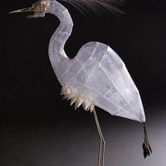 white - heron - bird - sculpture - paper tissues and wire - Polly Verity Bird Sculpture, Animal Sculptures, Paper Sculptures, Plastic Fou, Art Fil, Papier Diy, 3d Studio, Paper Jewelry, Art Moderne