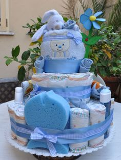 Funny Baby Shower Cakes, Baby Shower Nappy Cake, Baby Shower Diapers, Baby Boy Shower, Baby Shower Gifts, Baby Shower Decorations For Boys, Baby Shower Centerpieces, Baby Shower Themes, Baby Gift Box
