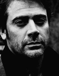 """"""" Quando a dor da vingança enegresce o seu coação . John Winchester não é apenas um caçador .  Ele é um HEROE que luta todos os dias para matar aquilo que o está matando . """" by P!v"""