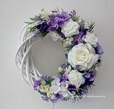 Wreath Crafts, Diy Wreath, Wooden Flowers, Paper Flowers, Deco Mesh Wreaths, Door Wreaths, White Wreath, Floral Wreath, Willow Wreath
