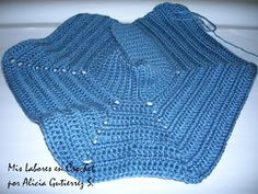 My work in Crochet: Step by step sweater for pets. Sweater Hat, Puppy Clothes, Dog Wear, Dog Coats, My Little Girl, Crochet Animals, Pet Shop, Knitting Projects, Knit Crochet