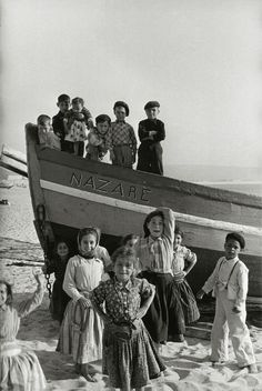 Portugal, Mai 1954 by Sabine Weiss Robert Doisneau, Sabine Weiss, Festival Photo, Willy Ronis, Gordon Parks, Black And White Posters, Photo Composition, French Photographers, Arts And Entertainment
