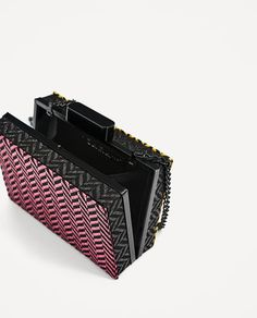 Image 4 of TWO-TONE FABRIC MINAUDIERE from Zara