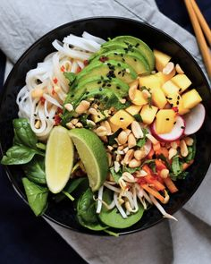 Vegan recipe: summer roll bowl with Asian cucumber salad Easy Baked Chicken Thighs, Easy Chicken Thigh Recipes, Chicken Strip Recipes, Baked Teriyaki Chicken, Crispy Oven Baked Chicken, Baked Chicken Drumsticks, Baked Chicken Breast, Parmesan Chicken Breast Recipe, Chicken Parmesan Recipes