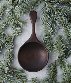 Herriott Grace is a Toronto-based shop that sells hand carved wooden objects, exclusive porcelain dishware, small run ceramics and many other things. Spoon Art, Wood Spoon, Carved Spoons, Home Buying Process, Beginner Woodworking Projects, Kinfolk, Kitchen Witch, Wood Lathe, Wooden Kitchen