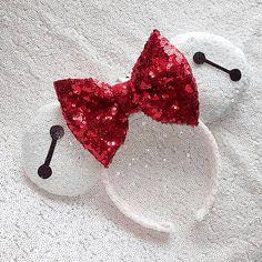 Baymax Big Hero 6 sequin Minnie ears by lizzyzbowtique on Etsy… Disney Ears Headband, Diy Disney Ears, Disney Headbands, Disney Mickey Ears, Disney Bows, Ear Headbands, Disney Diy, Disney Crafts, Cute Disney