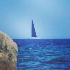 Una nave in un porto è al sicuro ma le navi non sono fatte per questo.  A ship in harbor is safe but that is not what ships are built for. (J.A. Shedd). _____________________________________ #sardegna #sea #boat #sailboat #sailing #blue #sardinia #amazing #discover #summer #seaview #seaside #landscape #landscape_lovers #loves_mediterraneo