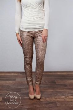Sequins combined with leggings.. the most perfect combinations! Wear these to all your upcoming holiday parties or nights out on the town. You are SURE to stand out in these! The elastic waist makes these so comfortable and the perfect fit. They are stretchy enough to last you for all day wear. You'll want these in every color this holiday season!SIZES Small- 0-4 Medium- 4-7Large- 8-12Models are wearing size small!