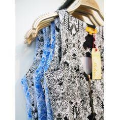 Colores y estampados que hacen a nuestras tiendas tan especiales. #EstiloMelao #estampados #moda #diseñovenezolano #nuevacolección #fashion #prints #newcollection #style