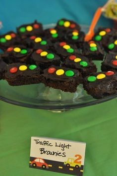 Traffic light brownies at a Car Party - Cars party - Transportation party - Trains Birthday Party, Construction Birthday Parties, Construction Party, 4th Birthday Parties, Birthday Ideas, Boy 16th Birthday, Train Party, Birthday Banners, Farm Birthday