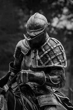 Medieval Knight, Medieval Armor, Medieval Fantasy, Armadura Medieval, Knight In Shining Armor, Knight Armor, Dragon Knight, Caballero Andante, Armor Clothing