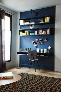 FARBE ALS ARBEITSHILFE Arbeiten in den Wohnbereich zu integrieren, ist eine stilistische Herausforderung. Auf diesem Bild von Marianne Evennou's Blog ist das gut gelungen. Mit Farbe ist der Arbeitsbereich optisch abgegrenzt und wirkt stilvoll.