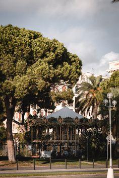 Côte d'Azur | Que faire à Nice en un weekend ?  #nice #france #cotedazur #frenchriviera #weekend #citytrip Promenade Des Anglais, Nice Ville, Chateau Medieval, Gap Year, French Riviera, Provence, Places To Go, Dolores Park, Places