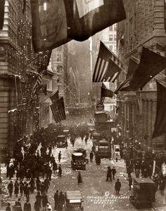 World War 1 victory parade in New York, 1918. Photographer: W.L.Daummond